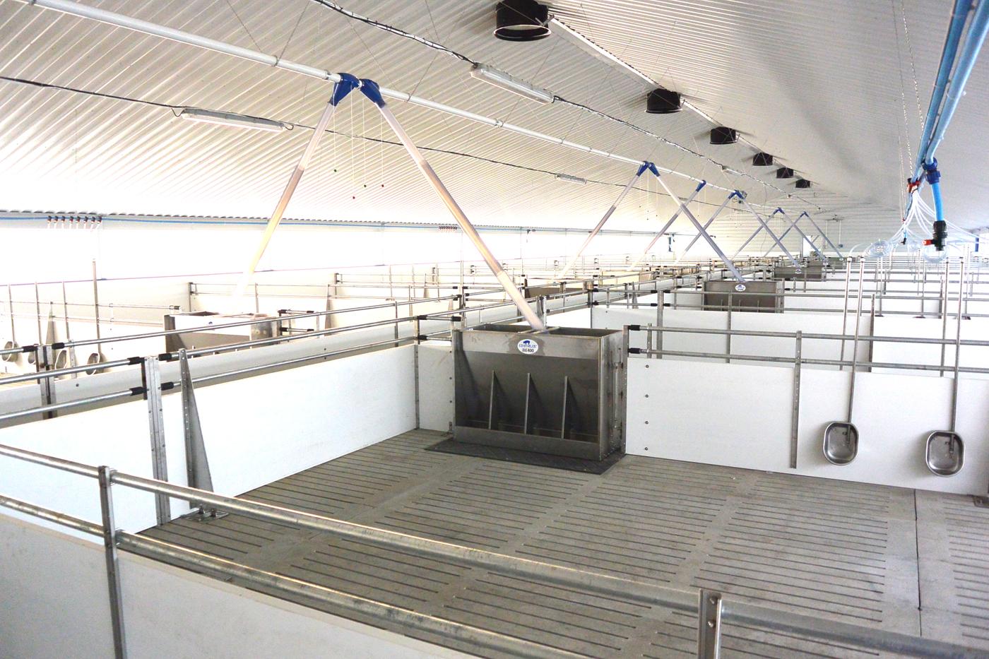 U S  style pig equipment aids producers worldwide | Feedstuffs