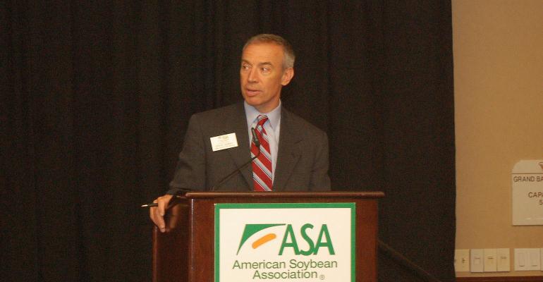 ASA CEO Steve Censky talks at podium