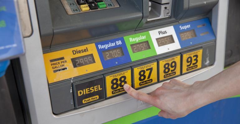 E15 ethanol gas pump_RoyalFarms-ProtecFuel 014.jpg