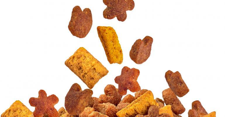 dog food kibble_shutterstock_131682431.jpg